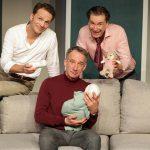 Drei Maenner und ein Baby (c) Dietrich Dettmann